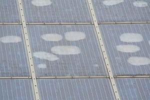 Kwaliteit zonnepanelen vergelijken op kit of tape