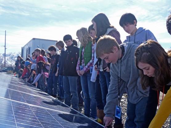 Zonnepanelen op scholen, zonnepanelen kopen, zonnepaneel, goedkope zonnepanelen op school, Duurzame energie kinderen,