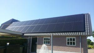 QCells zonnepanelen op Staaldak